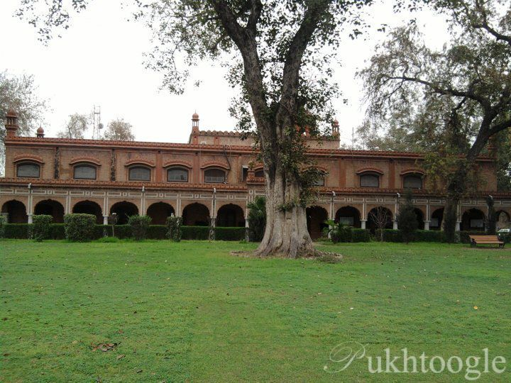 Names for Edwardes College principal being short-listed